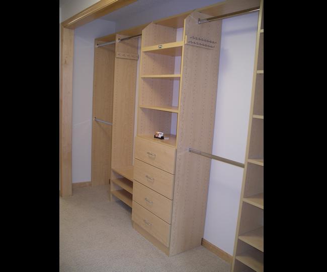 Reach In Custom Closet Picture Gallery